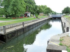 Ideal for a picnic - Penton Hook Lock area - Thames Path, England.