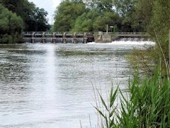 "The violent Sandford ""Lasher"" Weir - Oxfordshire, England."